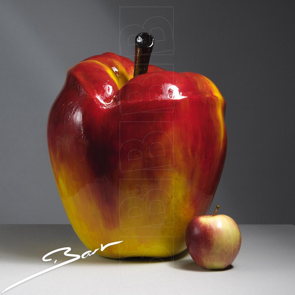 Kus van een appel. An apple that kisses. Kunst. Art.