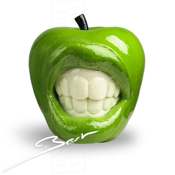 de appel die bijt, the apple that bites, bite me!